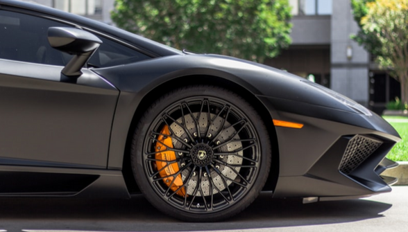 Lamborghini Supercar front wheel